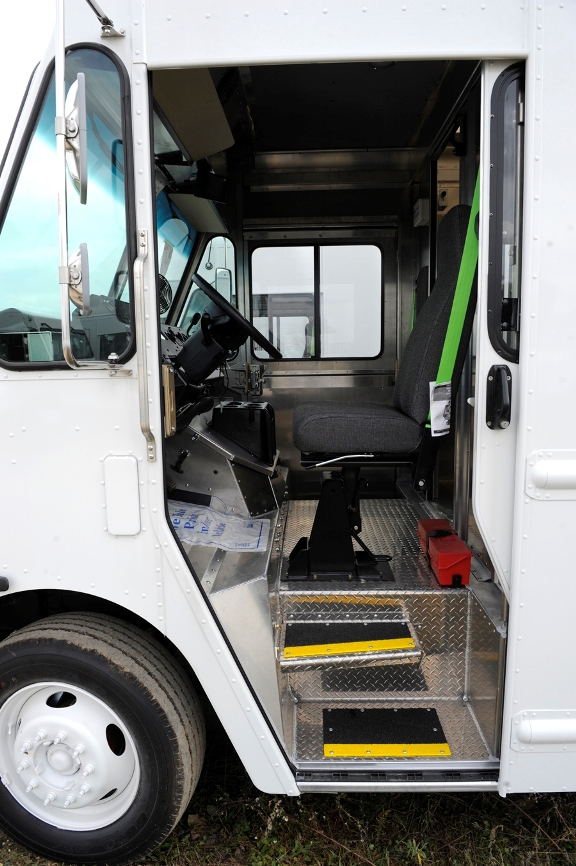 2016 fedex p1200 stepvan for sale